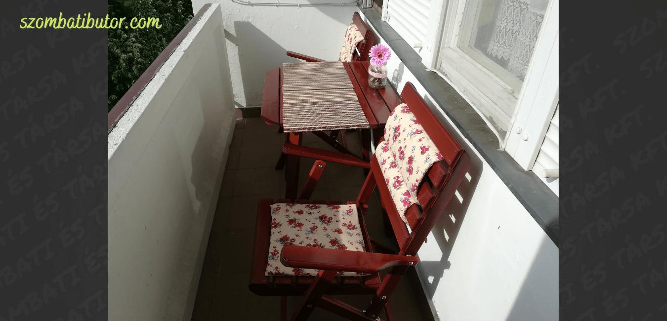 80*60 as asztallal